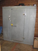 "Norlake walk-in cooler, 4' x 6' x 79""h"