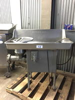 BUTCHER BOY B52 5HP MEAT GRINDER