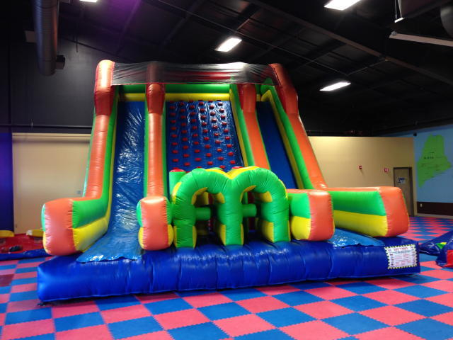 TIMED ONLINE AUCTION 34-Inflatable Bounce Houses - Party Rental Equip Auction