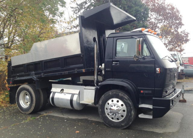 HEAVY TRUCKS - BOX TRUCKS - VEHICLES AUTOMOTIVE - REPAIR & SHOP EQUIPMENT Auction