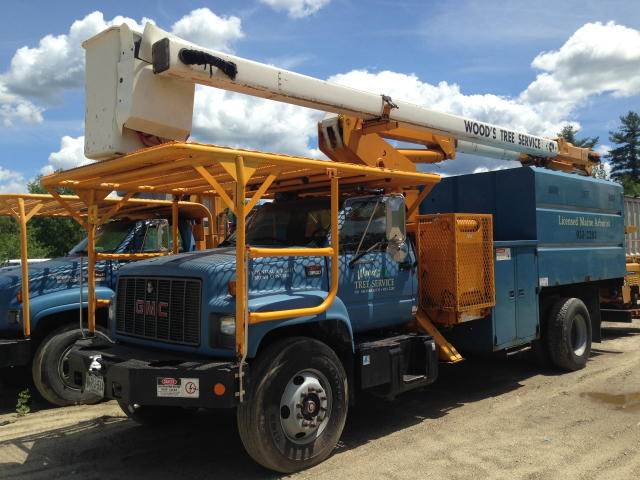 TIMED ONLINE AUCTION TREE SERVICE EQUIPMENT, BUCKET TRUCKS, CHIPPERS Auction