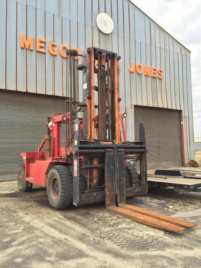 TIMED ONLINE AUCTION FORKLIFTS - CRANES - (17) TRAILERS - TRUCKS Auction
