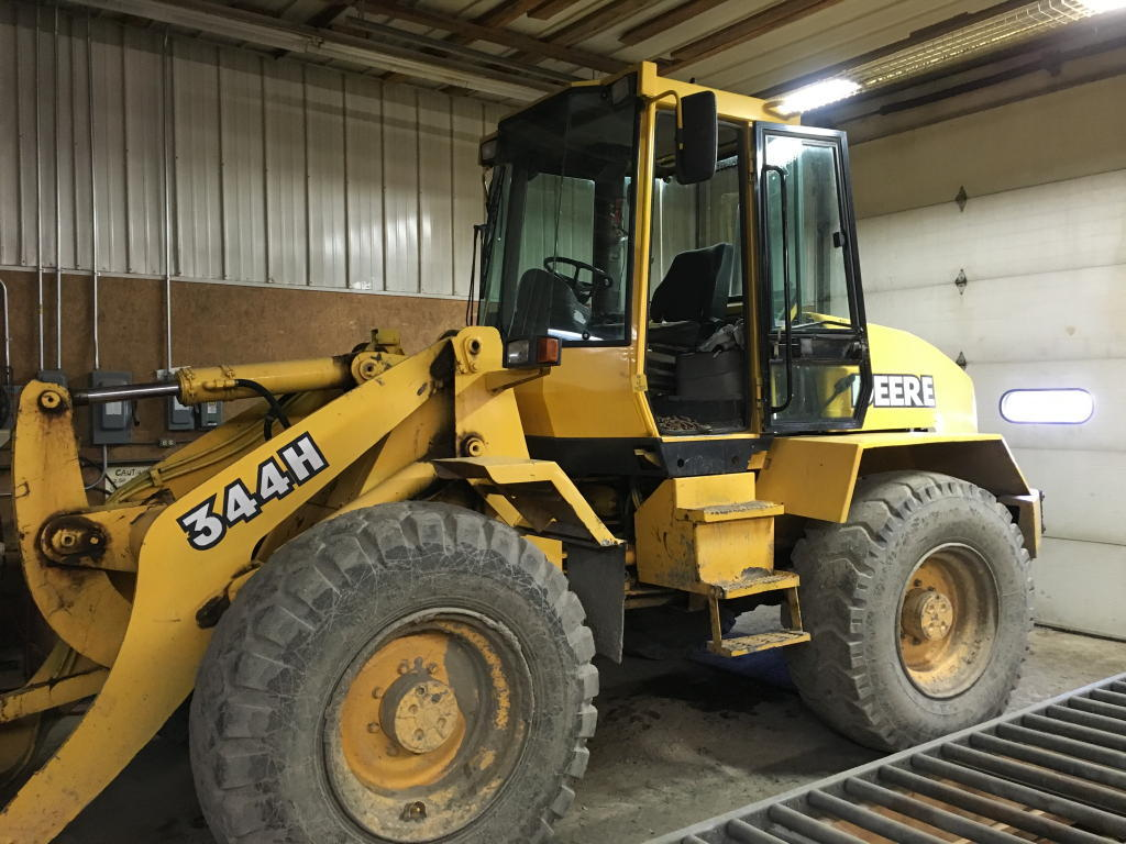 TIMED ONLINE AUCTION 2014 WOOD-MIZER SAWMILL - 1998 JD 344H LOADER Auction