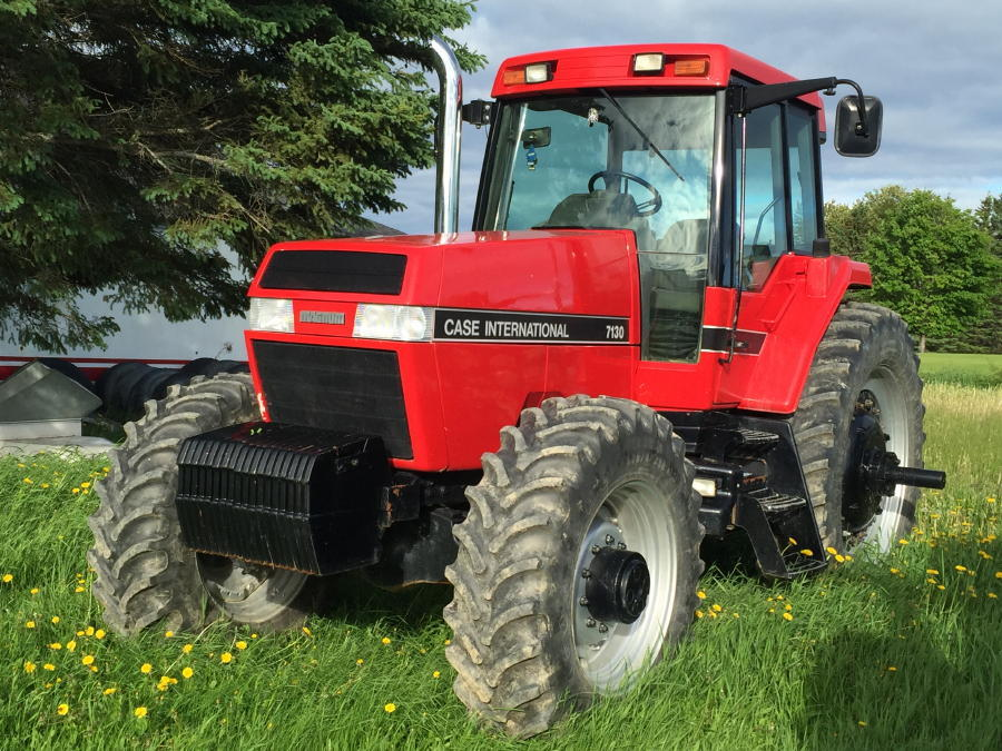 FARM EQUIPMENT AUCTION, TRUCKS, COMBINE, HARVESTERS, FIELD & PACKING EQUIPMENT Auction