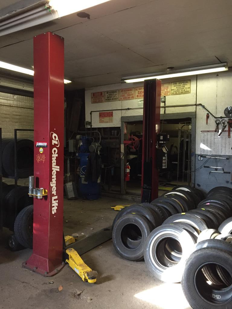 RETIREMENT AUCTION - COMPLETE LIQUIDATION OF FRITZ'S TIRE, INC. AUTO LIFT - TIRE MACHINES     Auction