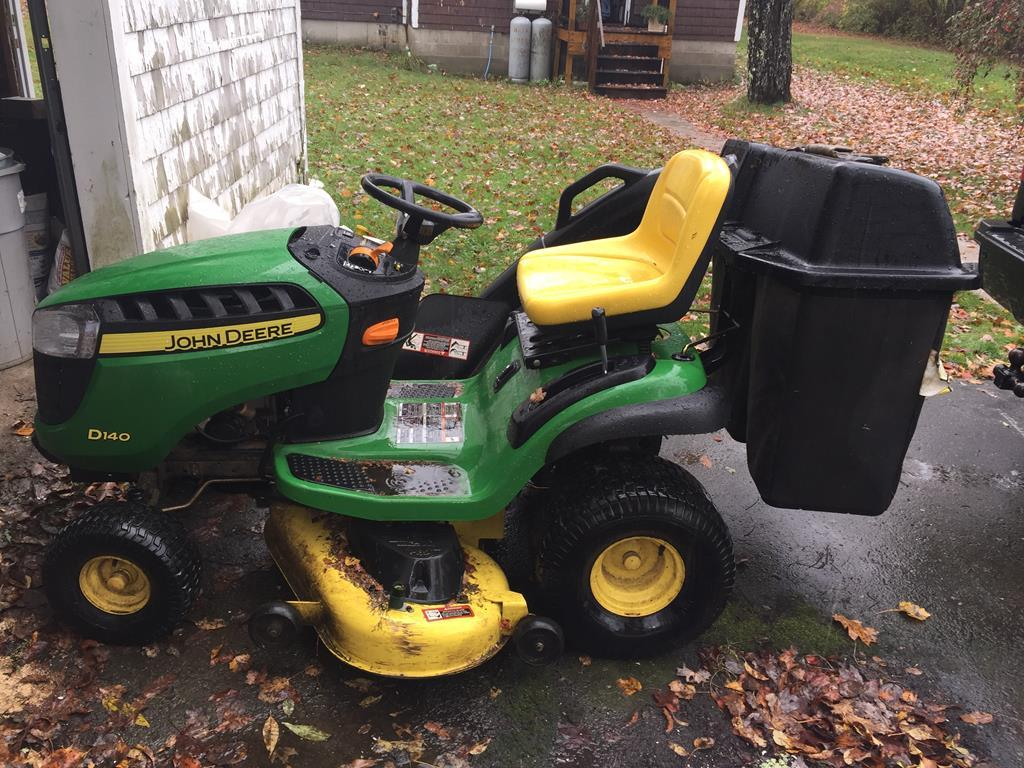 TIMED ONLINE AUCTION WOODWORKING EQUIPMENT - 2014 JD D140 TRACTOR Auction