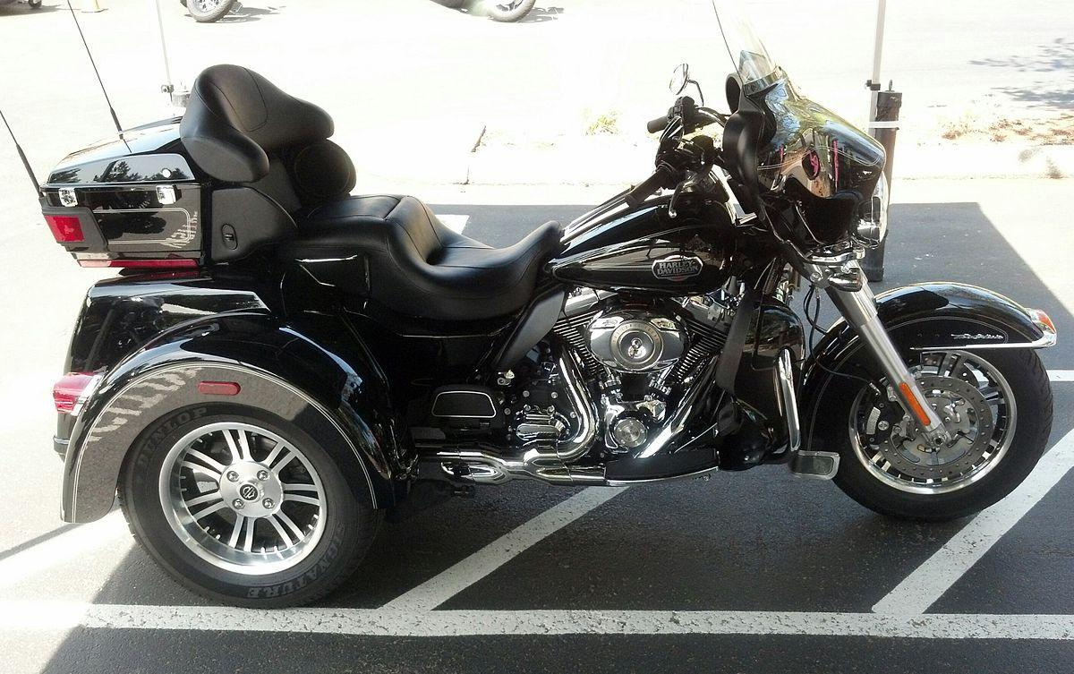 TIMED ONLINE AUCTION 2012 HARLEY-DAVIDSON TRI GLIDE - AUTOS - BUSES  Auction