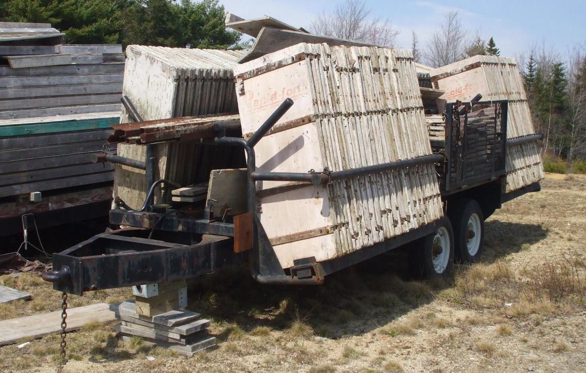 Auction 09-88E - S/A concrete form trailer w/ Rapid concrete forms