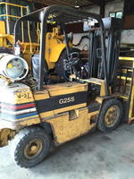 2003 JOHN DEERE 744J LOADER - FORKLIFTS - ROAD TRACTORS - SHOP EQUIPMENT - CHEMICAL STORAGE Auction Photo