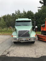 2001 VOLVO VNL T/A TRACTOR Auction Photo