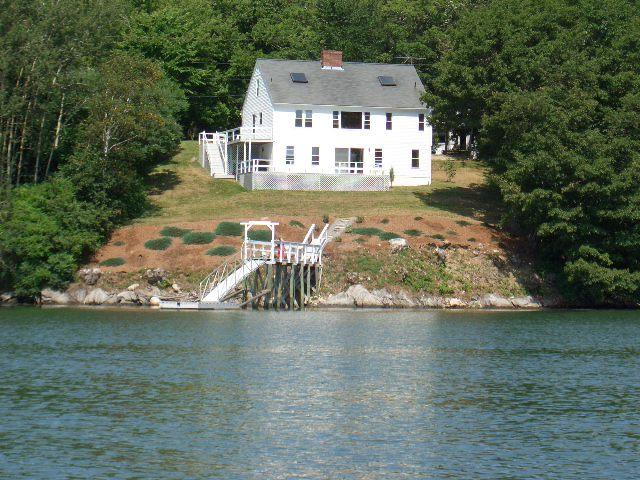 Mid Coast Maine Waterfront Cottage SOLD $500,000 Auction