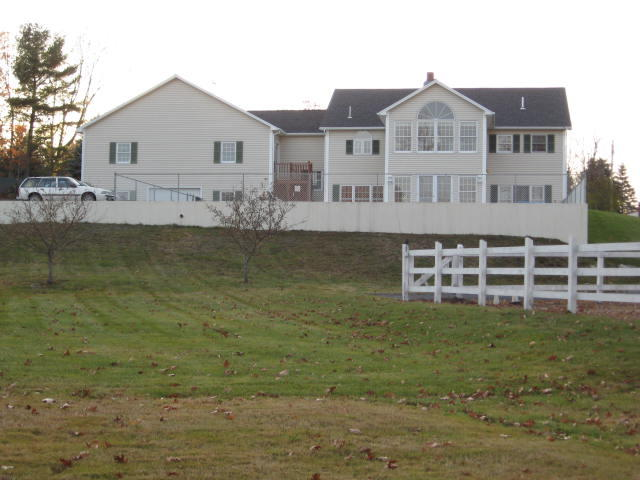 4.4.86+/- Acre Horse Farm – Executive Ranch Style Home Auction