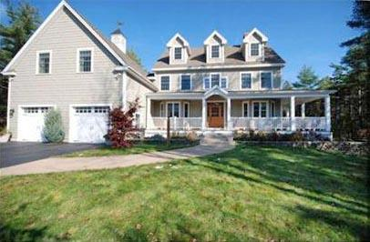 6,618+/- SF Custom Colonial Home Auction