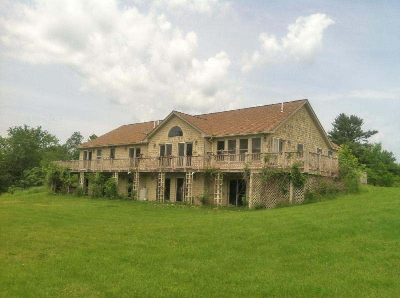 Executive Ranch Style Home - 18+/- Acres Auction