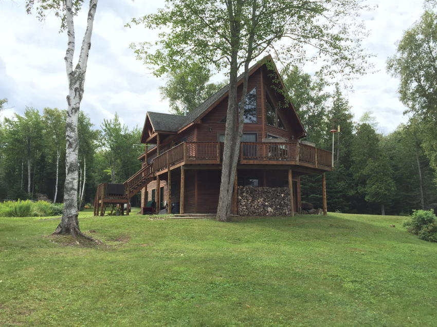 4BR Waterfront Chalet - Rangeley Area Auction