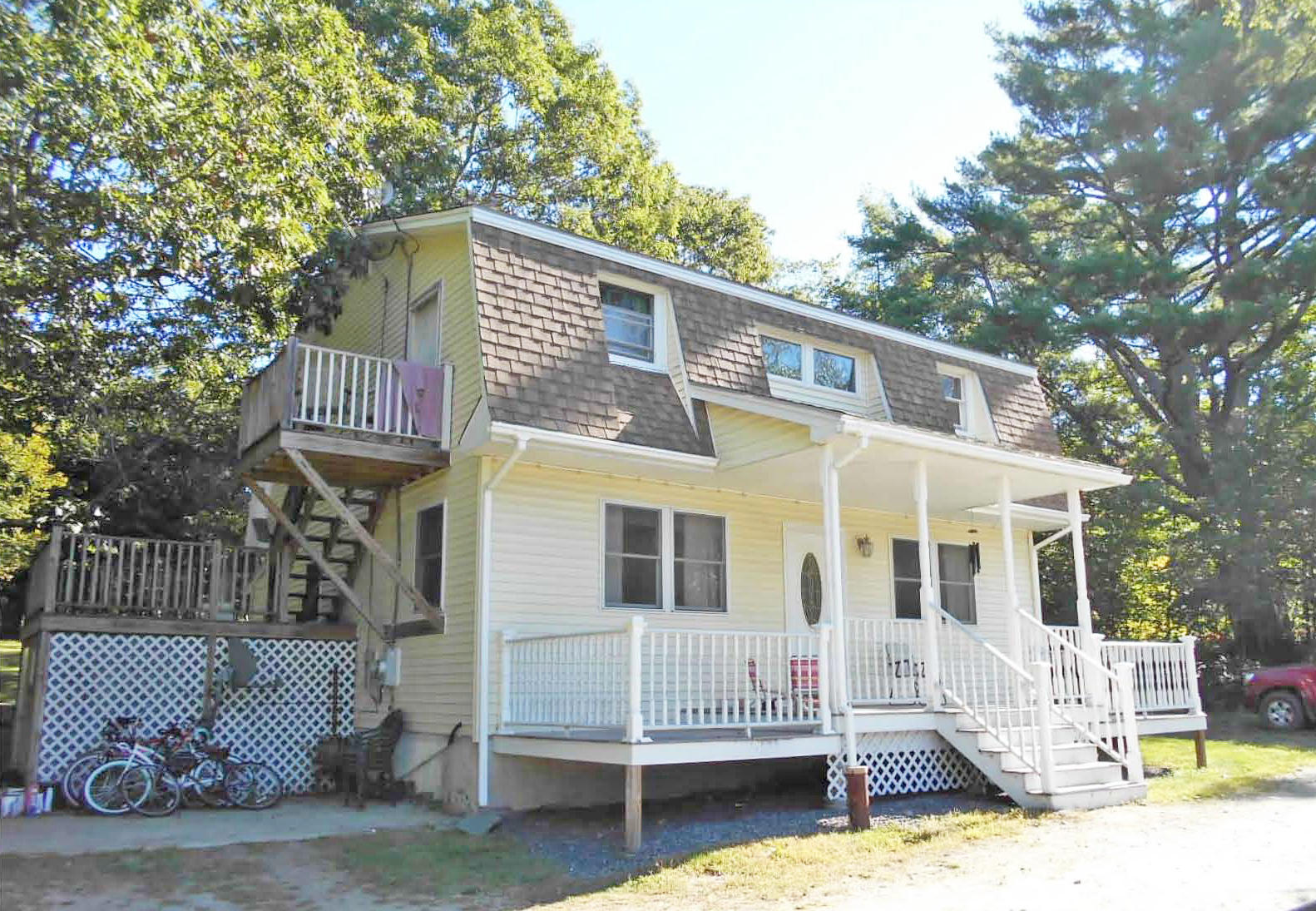 3BR Dutch Colonial – 3.56+/-Acres Auction