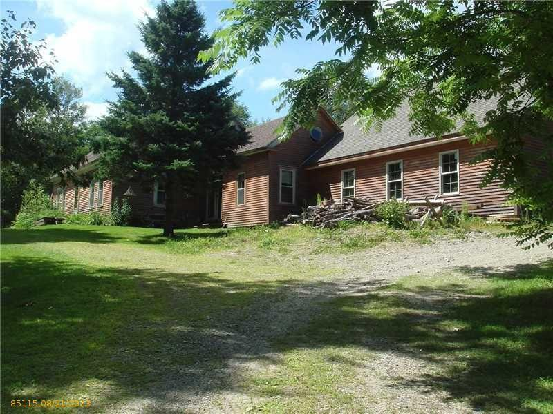 Cape Style Home - 105+/- Acres Auction
