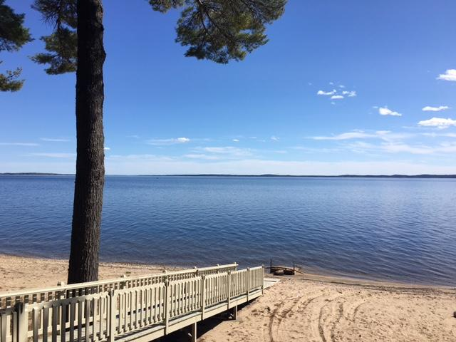 3,122+/-SF Lakeside Home Big Sebago Lake Auction