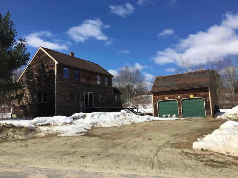 3BR Saltbox - Garage - 1.41+/- Acres Auction