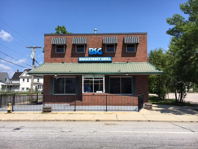 4,332+/-SF Restaurant Building & Equipment  RE: Backstreet Grill   Auction