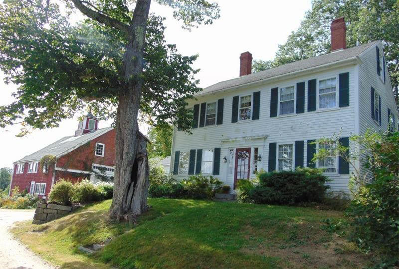 5BR Antique Colonial - Barn - 4.4+/- Acres Auction