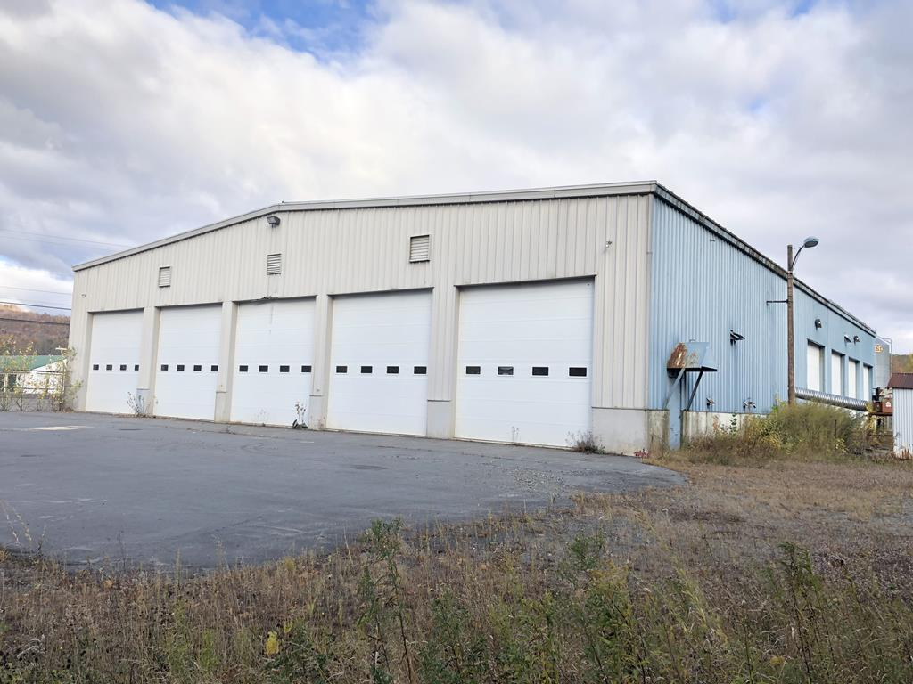 20,330+/-S.F. Commercial Building- 6.8+/- Acres Auction