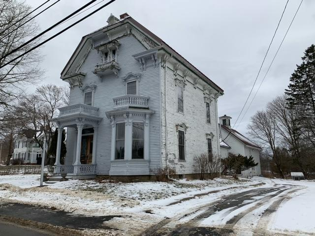 4BR Italianate Victorian Style Home - 1.27+/- Acres  Auction