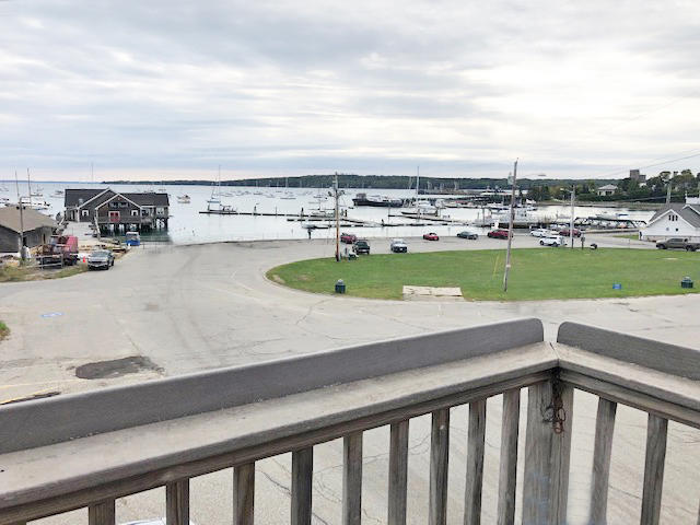7,004+/-SF Coml/Restaurant Bldg Deck & Harbor Views  Auction Photo